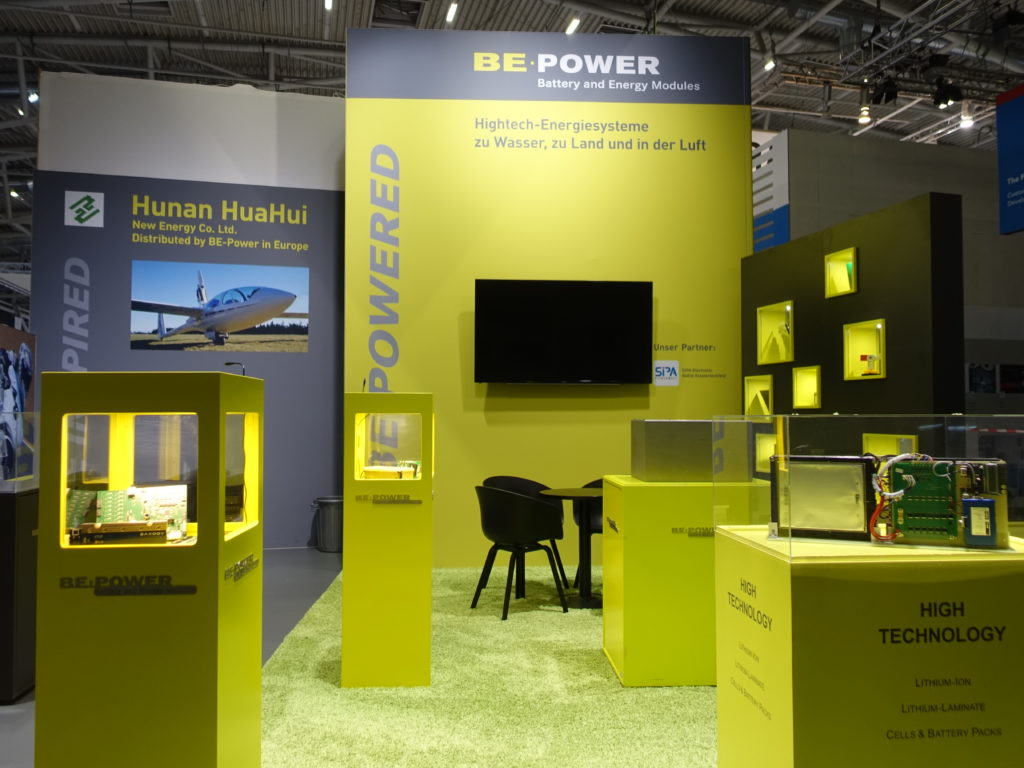 be-power-messestand